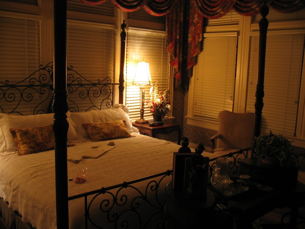 Vacations in the Cold Warm Romantic Room