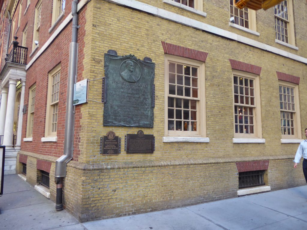 Front of Fraunces Tavern