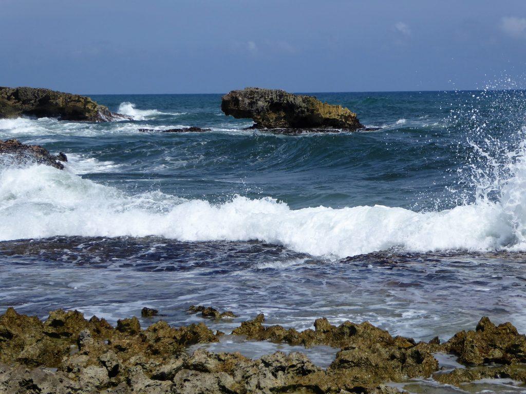 El Mirador Waves and Rocks