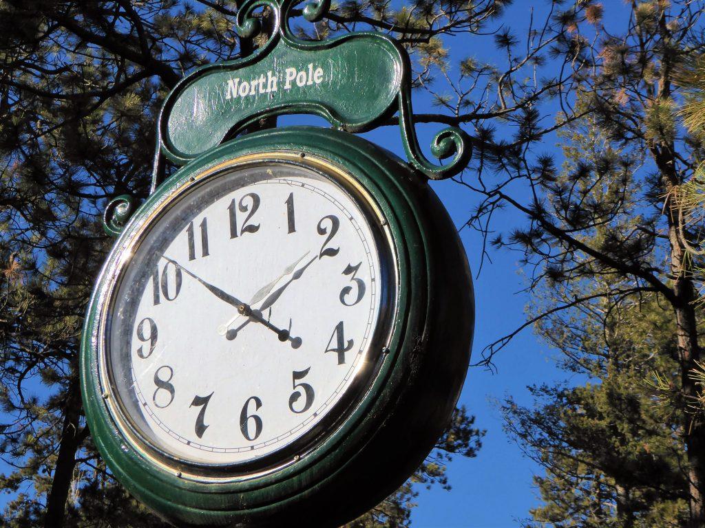 Santa's Workshop North Pole Clock